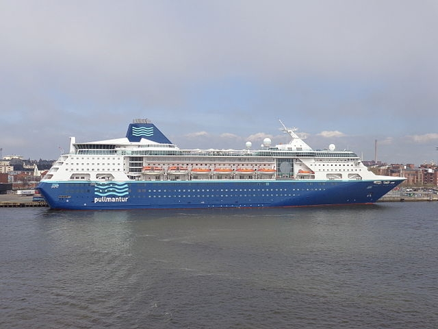 Pullmantur_Empress_Helsinki_May_2013 By Boroduntalk - Own work, CC BY 3.0, https://commons.wikimedia.org/w/index.php?curid=26375969