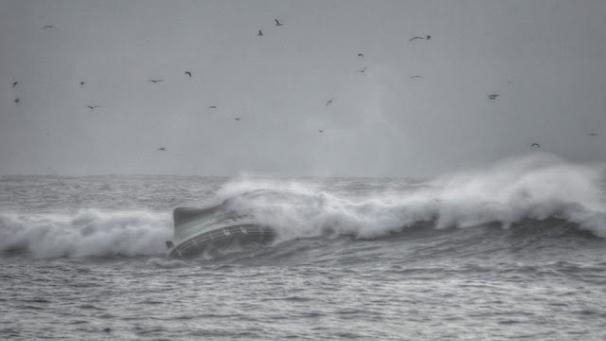 606x341_sinking-5