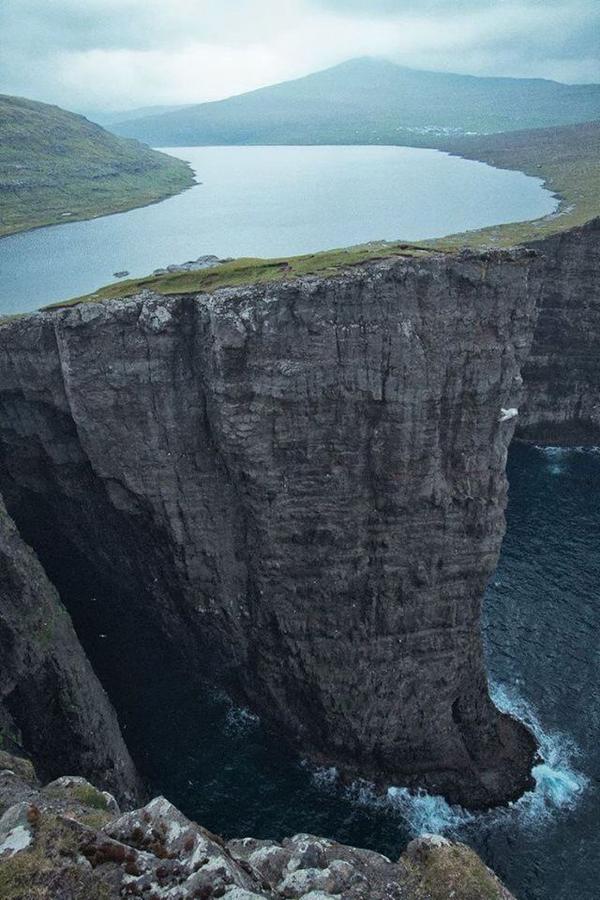 Islas feroe-Sørvágsvatn